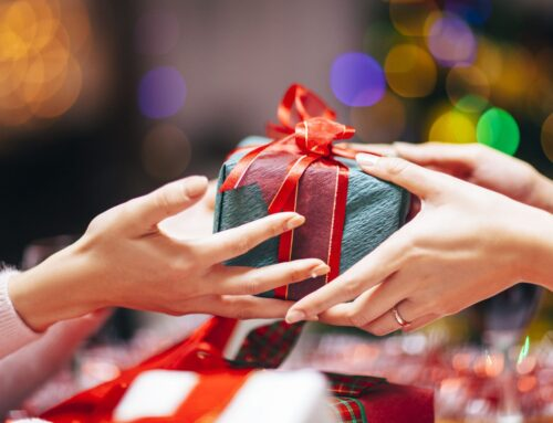 Office and Client Gifting Etiquette: Rules You Should Follow